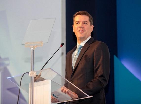 O presidente da Abecip, Gilberto Duarte, faz discurso de abertura do  16º Prêmio Abecip de Jornalismo