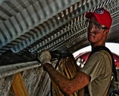Emprego na construção cai 5% e setor prevê piora