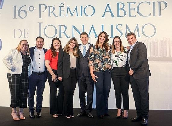 O presidente da Abecip, Gilberto Duarte, reúne sua turma do Santander